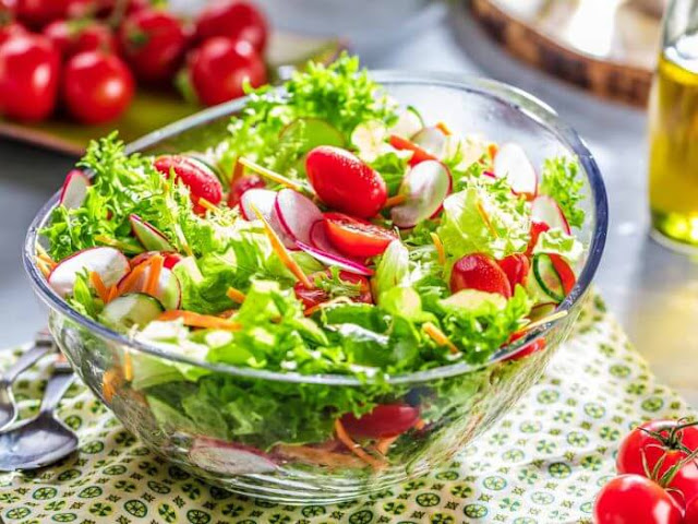 salad-salad_calories-salad_ideas-eat-tomato-vegetables-lunch-dinner-breakfast