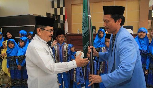 Siap Rebut Juara di Jeneponto, Wali Kota Palopo Lepas Peserta FASI