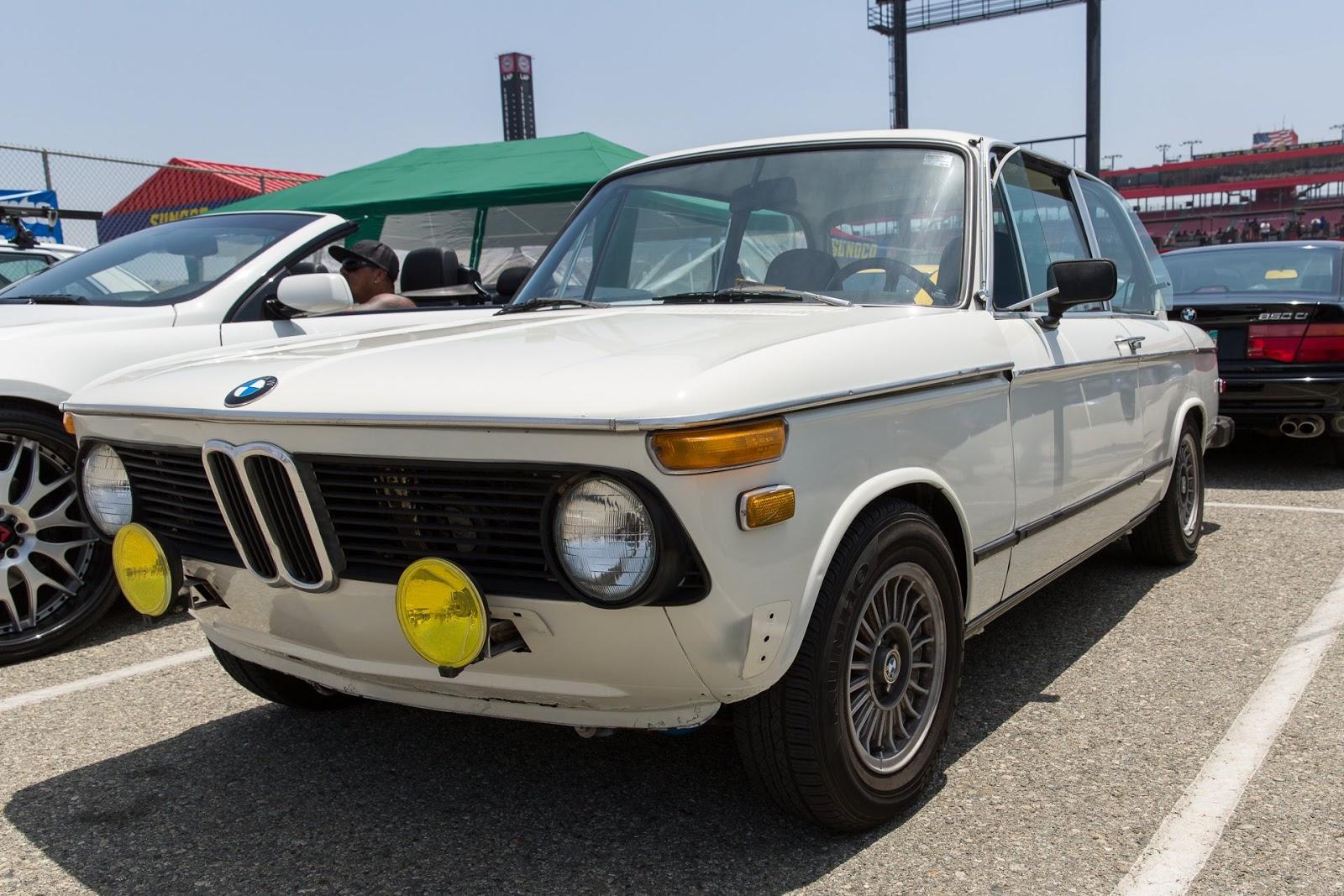 BMW 2002 Early Euro Bumper Seam Covers REAR