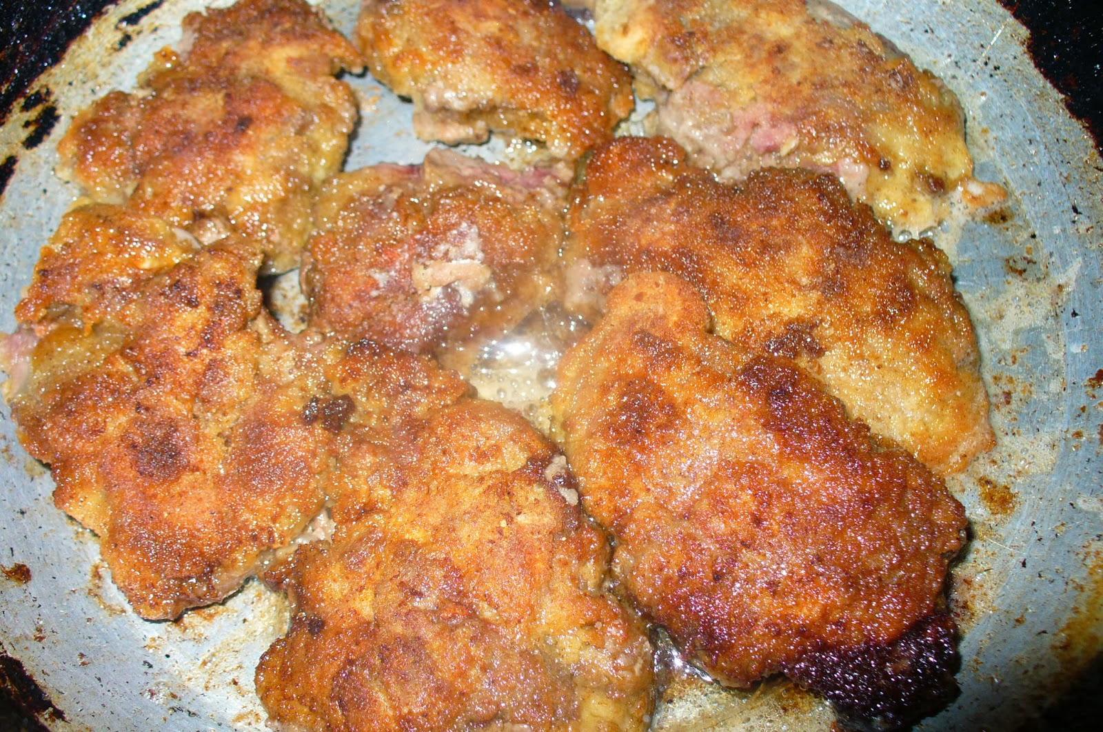 жареная куриная печень на сковороде