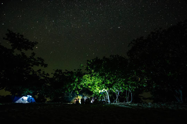 milky way di pantai tiga warna