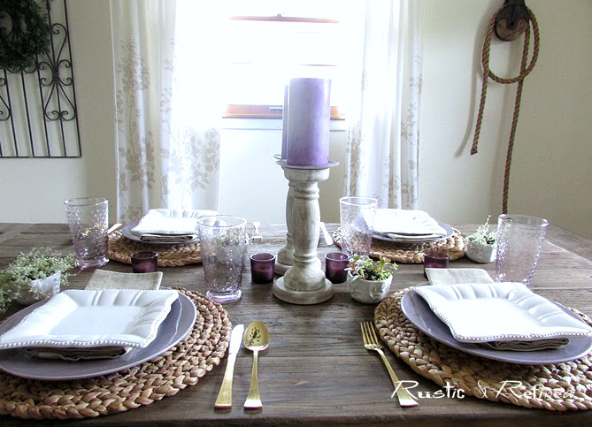 Clean and fresh tablescape for Summer