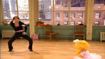 Paula Abdul shows Zoe how to dance. Sesame Street Zoe's Dance Moves