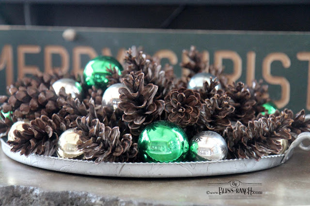 Simple Holiday Decor Bliss-Ranch.com