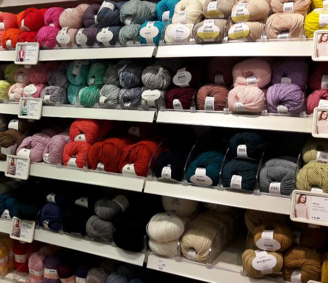 Yarn shop Heidelberg: Idees | Happy in Red