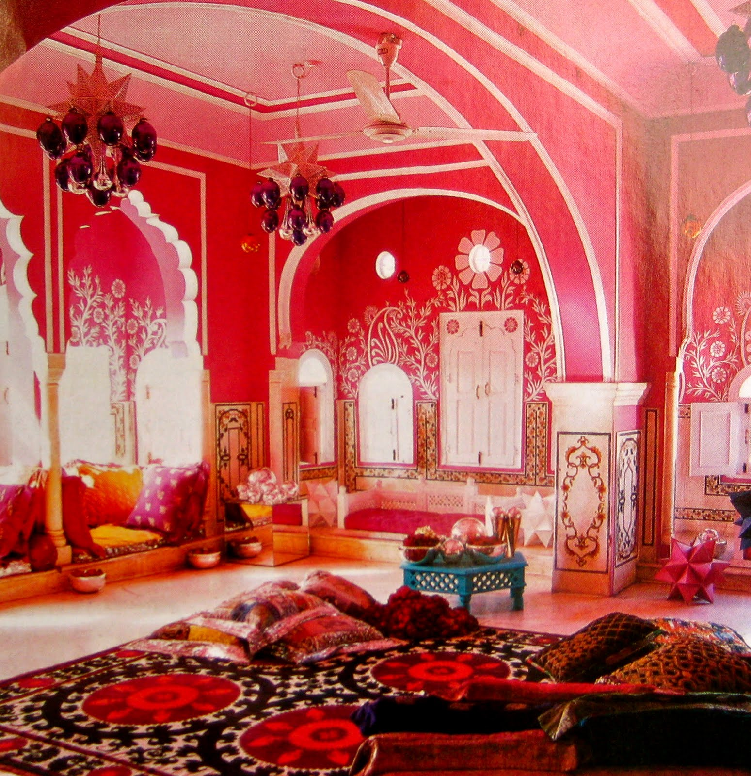 Colorful decor of india for Interior designs for bedrooms indian style