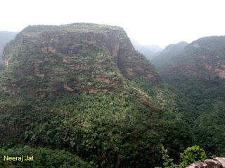 पचमढी: पाण्डव गुफा, रजत प्रपात और अप्सरा विहार