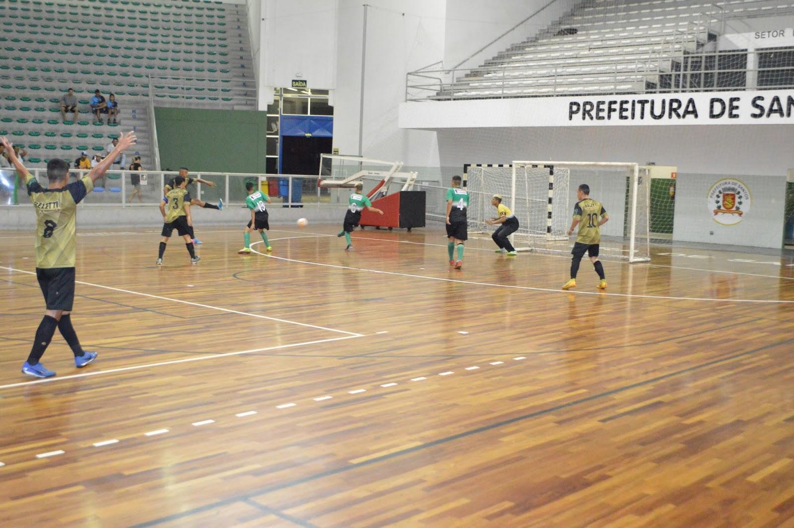 Mas o RB7 Futsal não se entregou e foi buscar o empate com Matheus Alcântara  que aproveitou um rebote do goleiro 1976b04c69b2e