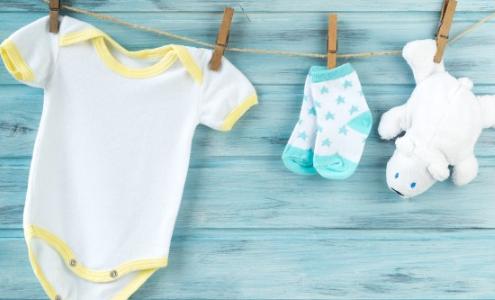 Haruskah Pakaian Bayi Dicuci Menggunakan Pencuci Khusus