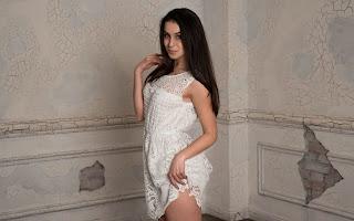 Hot Naked Girl - Emira%2BK-S01-005.jpg