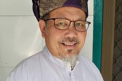 Jenazah Tengku Zulkarnain Dimakamkan Secara Protokol COVID-19 di Pekanbaru