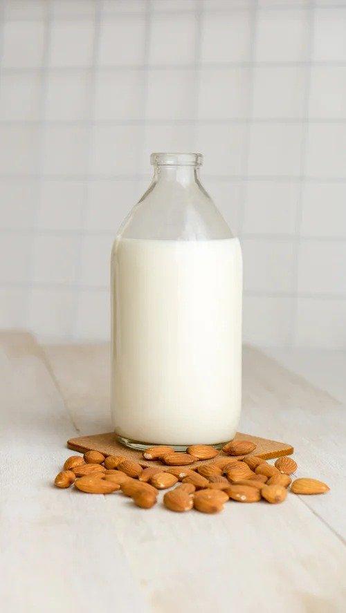 mushroom oat milk/ milk mushroom/ milky mushroom cleanser/ milk benefits for skin
