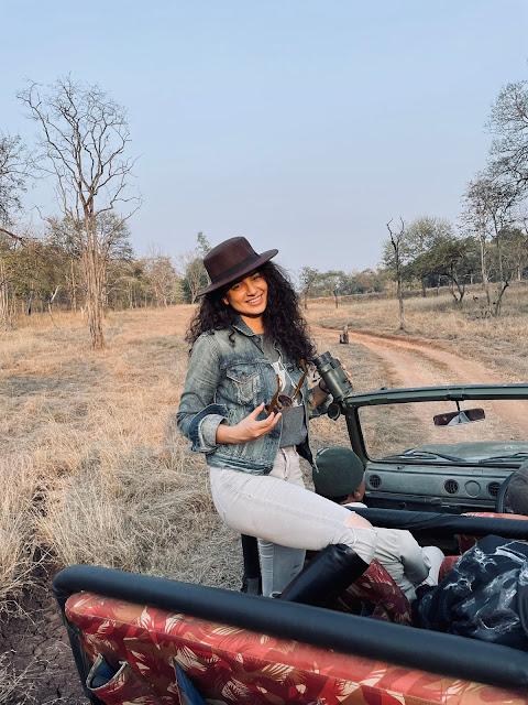 Kangana Ranaut At Satpura Tiger Reserve | ट्रोलिंग से बेफिक्र कंगना रणौत ने लिया सफारी राइड का मजा, साझा किया जंगल का अनुभव
