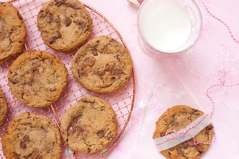 giant vegan walnut chocolate chip cookies
