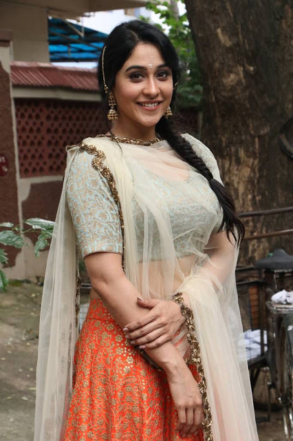 Regina Cassandra Stills At Telugu Movie Pooja 👈