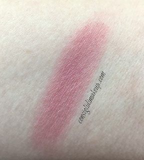 Review True Colour Luminous Blush in Soft Plum Avon
