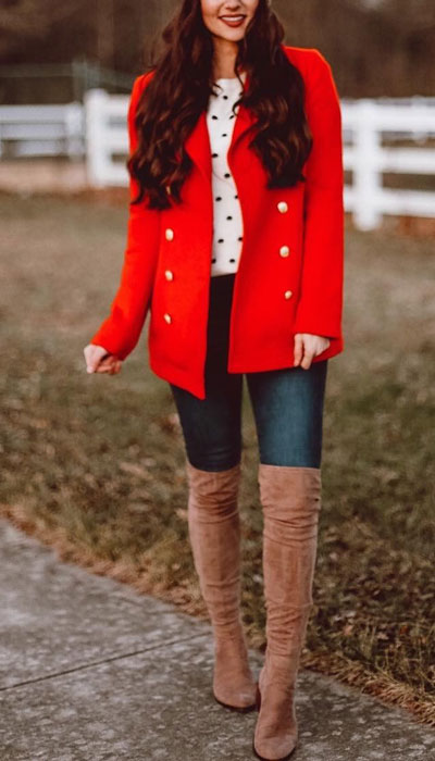 Look your best when you step out this holiday season. Here are 22 pure holiday style inspiration new ways to dress and impress in the upcoming christmas season. Holiday Fashion via higiggle.com | red christmas coat | #fashion #holiday #coat #christmas