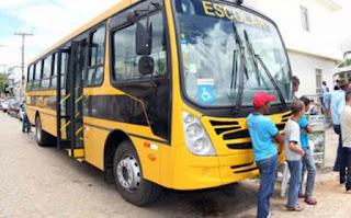 Ex-vereador usou ônibus escolar