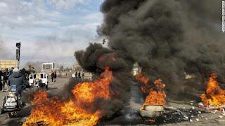12 قتيلاً ومئات الجرحى أثناء اشتباك المحتجين مع قوات الأمن العراقية