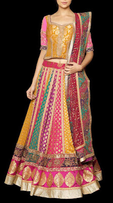 spectacular-indian-bridal-lehenga-designs-by-ritu-kumar-13
