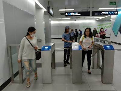 tap tiket MRT