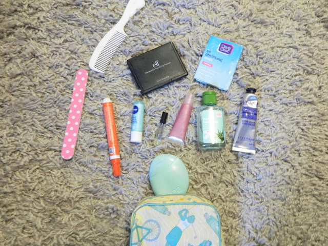 on-the-go-makeup-bag