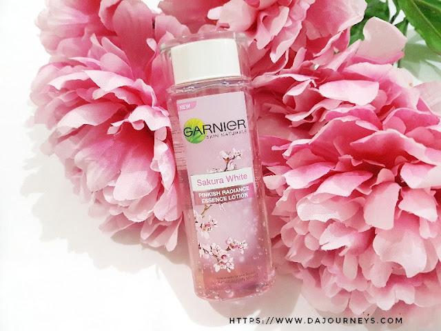 Review Garnier Sakura White Pinkish Radiance Essence Lotion