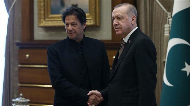 عمران خان يبحث مع أردوغان ومهاتير تطورات الأوضاع بكشمير