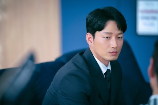 Lee Hyun-Wook as Lee Jae-Shin : Drama Korea She Would Never Know