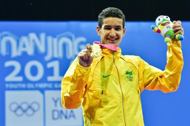 Netinho do taekwondo ouro na Olimpíada da juventude