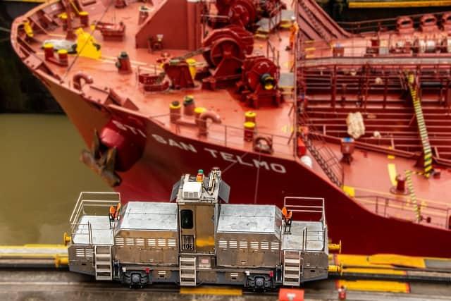 قطر السفن في قناة ينما