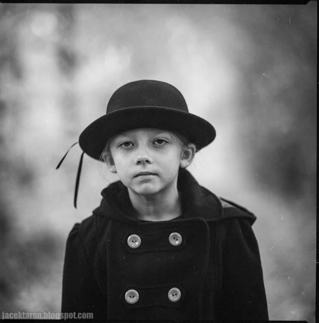 fotografia portretowa, jacek taran, fotografia analogowa, kiev, ilford, portret dziecka, jesien
