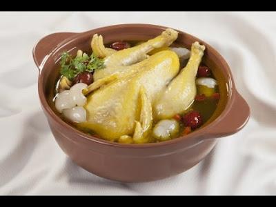 Món ăn giúp tăng cân siêu nhanh là gà nấu hạt sen