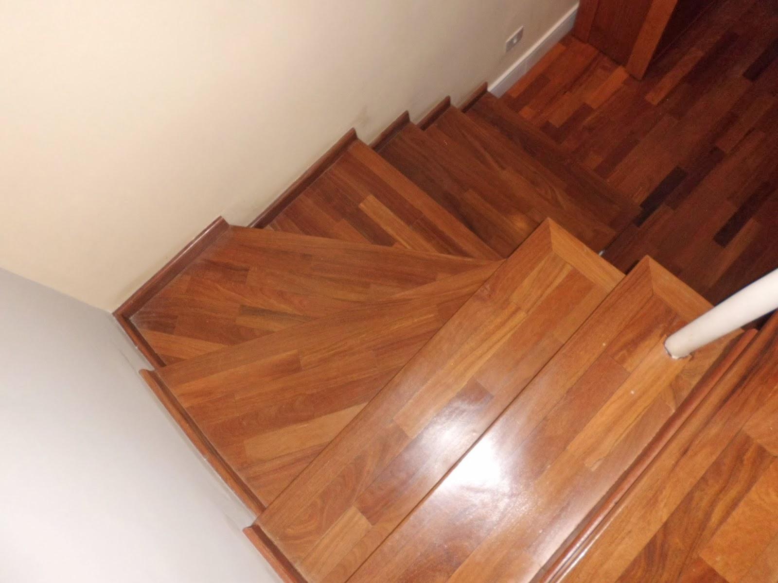 tacos de cumaru no revestimento de escadas em madeira