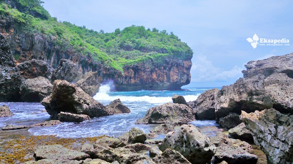 Pantai Wohkudu Yang Alami