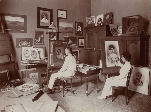 Thilly Weissenborn Fotografer Wanita Pertama di Indonesia