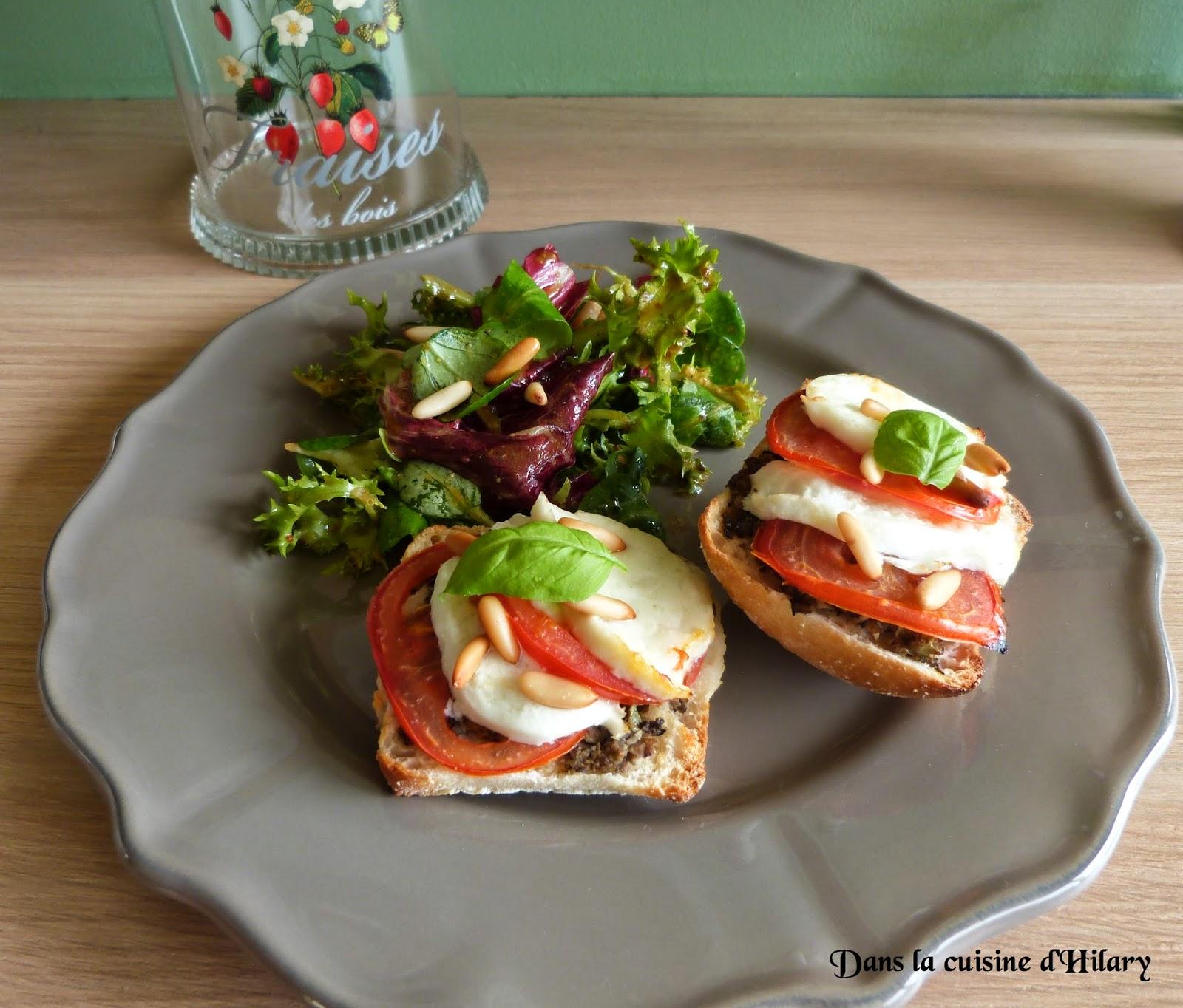 Tartine ensoleillée tapenade-mozzarella-tomate