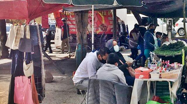 Ambulantes desacatan decreto del gobierno estatal