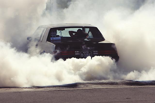 kereta meletup