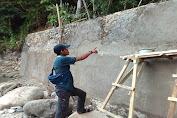 Duh!! Ada Proyek di Irigasi Way Dantar I Kecamatan Padang Cermin Dikerjakan Siluman