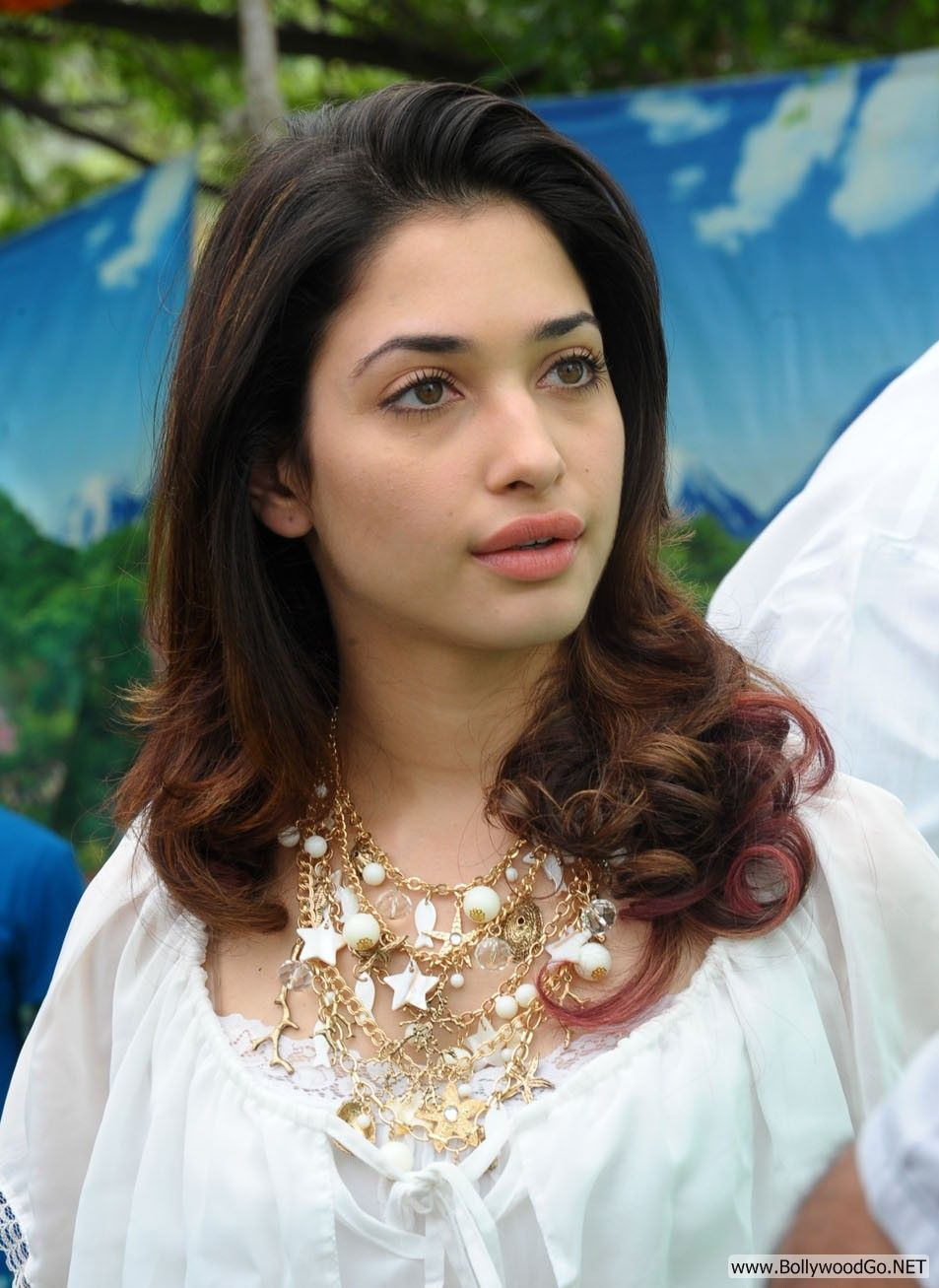 Tamanna Lips: New Beautiful Tamanna Pictures In Beautiful White Dress