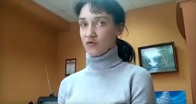 Убила 2-летнюю дочь из-за крошек и спрятала труп в холодильник - пьяная мать Омска