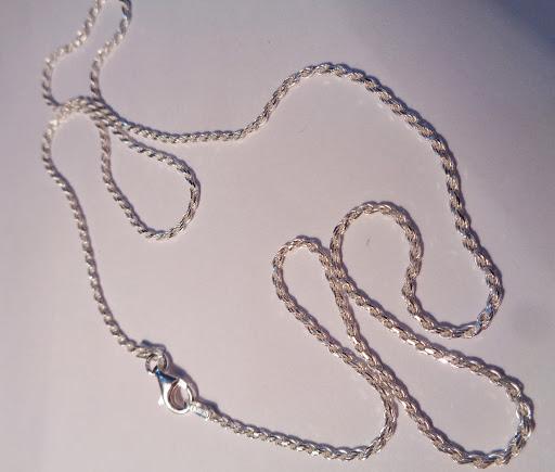 Cordón de plata salomónico