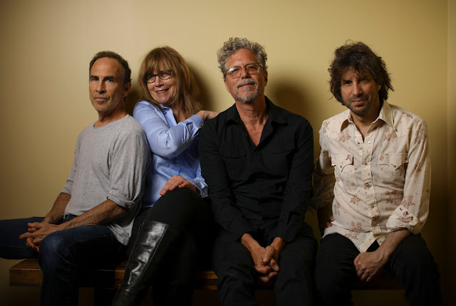 "The Jayhawks a partagé leur nouveau single ""This Forgotten Town"""
