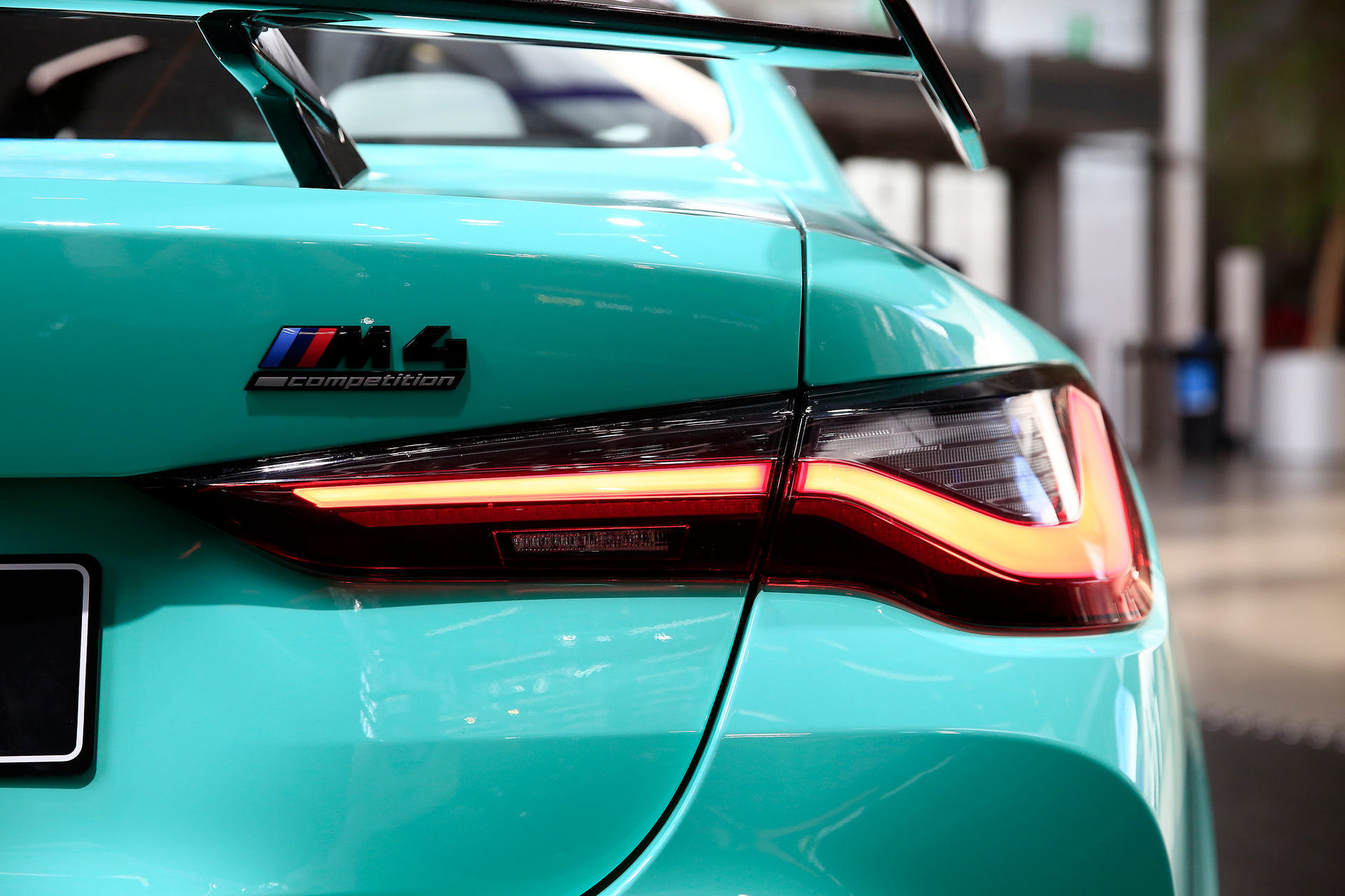 بي إم دبليو BMW M4 Competition الأضواء الخلفية
