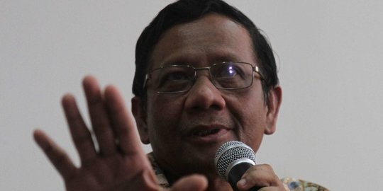 Pengacara Bantah Mahfud soal Komando Laskar FPI Tunggu Polisi