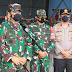 Panglima TNI bersama Forkopimda Jatim Meninjau Vaksinasi di Malang