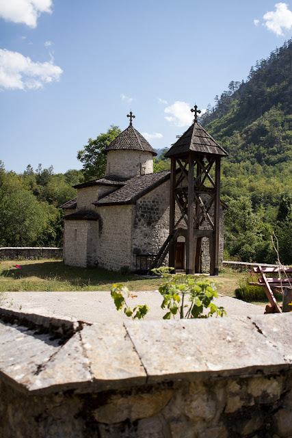 Monestry Dubrilovina in der Tara Schlucht in Montenegro