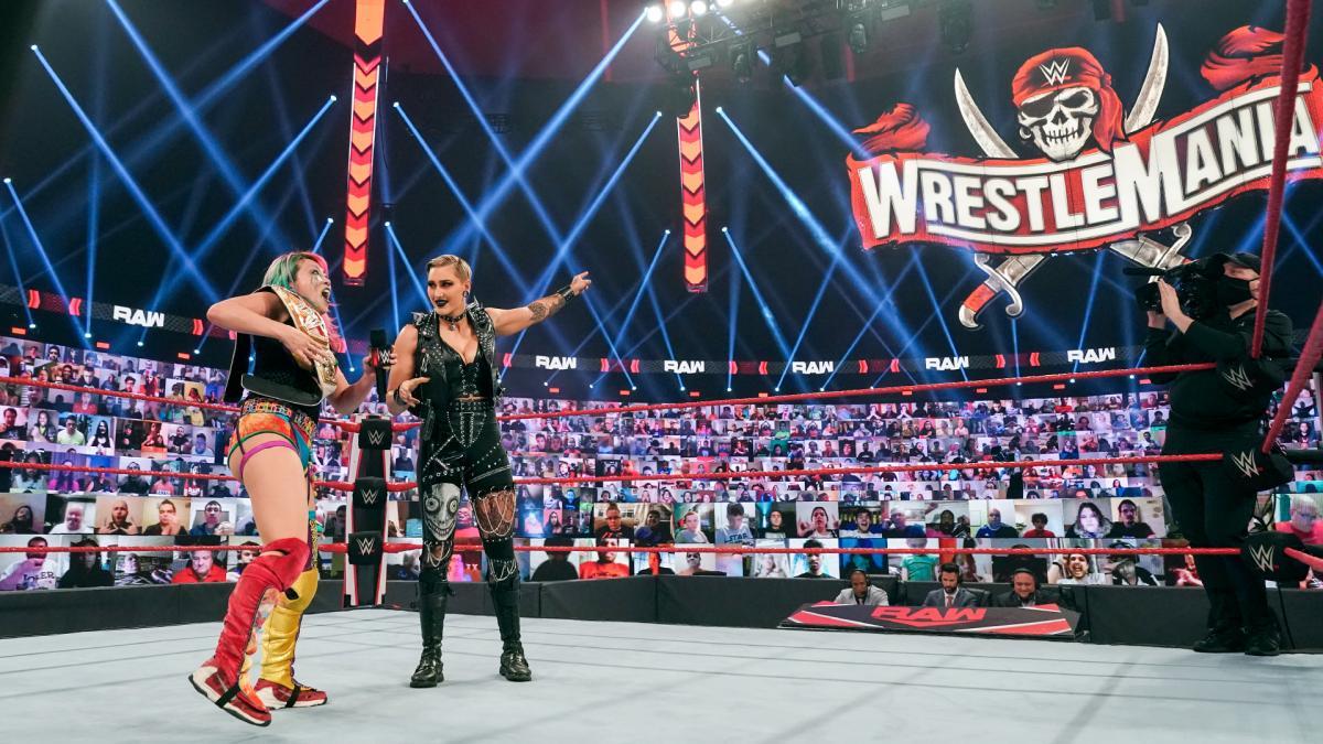 WWE não tinha planos de colocar Rhea Ripley na disputa do RAW Women's Championship na WrestleMania 37