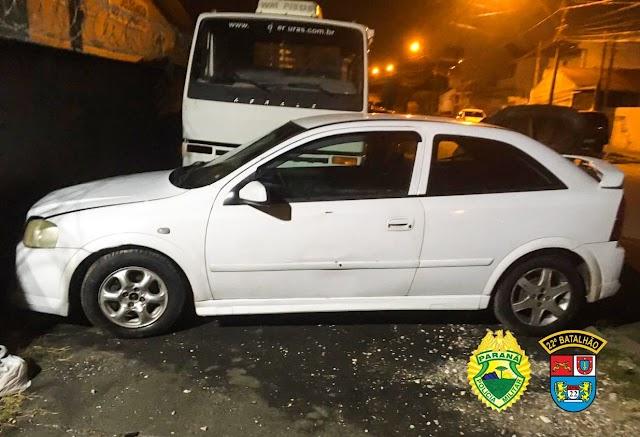 Drogas são apreendidas e carro roubado é recuperado em Colombo